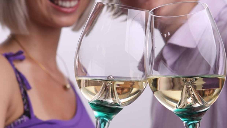Darujte víno a unikátní sklenice k tomu