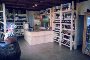 hlucin-vinoteka-vip360240